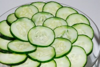 get rid of puffy eyes with cucumbers