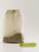 get rid of puffy eyes with tea bags